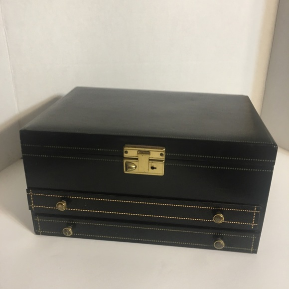 Classic Asian Crafted Vintage Jewelry Box!
